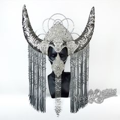 HORNED HEADDRESS htt