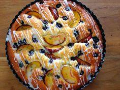 Culy Homemade: zomerse cake met tijm, perzik en blauwe bessen - - met Zonnigfruit