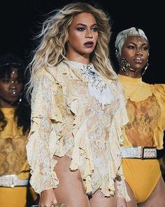 1705699ee3aa Instagram post by Beyoncé • Oct 9