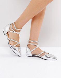 Carvela Loop Leather Tie Up Flat Shoes REdL3