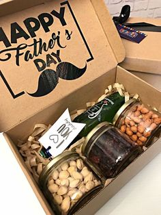 Diy Father's Day Gifts, Father's Day Diy, Diy Gift Box, Diy Christmas Gifts, Gifts For Dad, Dad Presents, Gift Box For Men, Fathers Day Gift Basket, Fathers Day Crafts