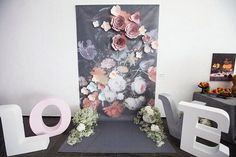 Love-фотозона на #свадьбакакискусство  Концепция и организация: #свадьбакакискусство #dergousova_agency #dergousova_wedding #wedding #dergousova_decor Декор: @comilfodecor #comilfodecor Флористика: @fiori_ua #fiori_ua Фото: @littavictoria