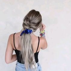 Long Hairstyle Video Tutorial Amazing hair tutorial with braids for long hair The post Long Hairstyle Video Tutorial appeared first on Frisuren Blond. Face Shape Hairstyles, Scarf Hairstyles, Pretty Hairstyles, Easy Hairstyles, Simple Hairstyles For Long Hair, Braided Hairstyles For School, Hairstyles Videos, Hairdos, Curly Hair Styles