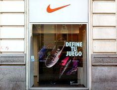 Montaje escaparates para tienda Nike en Madrid