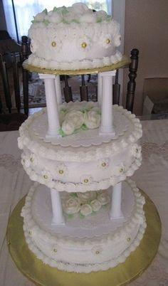 3 tier wedding cakes with pillars 3 Tier Wedding Cakes, Amazing Wedding Cakes, Buttercream Cake Designs, Buttercream Frosting, Best Vanilla Cake Recipe, Ladies Day, Wedding Reception, Cake Recipes, Dream Wedding