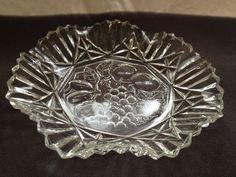 "@@ CLEAR GLASS GRAPEVINE FRUIT BOW DISH PLATTER ETCHED 10.5"" @@ picclick.com"
