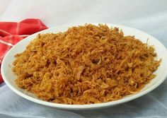 Abon Ayam Kriuk Indonesian Cuisine, Indonesian Recipes, School Snacks, Macaroni And Cheese, Dan, Grains, Exotic, Traditional, Style