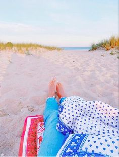 Beach Aesthetic, Summer Aesthetic, Happy Pictures, Beach Pictures, Summer Feeling, Summer Vibes, Freshman Outfits, Roller Rabbit, Summer Goals