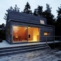 A cozy modern cabin in the woods of Norway. Designed by architect, Marianne Borge, the home spans just 377 sq ft.