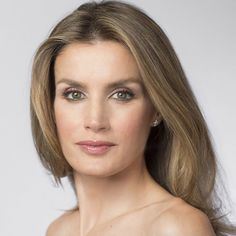 A look at Princess Letizia's flawless make-up - hellomagazine.com