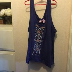 Cute tank top Love on a hanger tank top! Cute distressed look to it! Wore 2X's. love on a hanger Tops Tank Tops