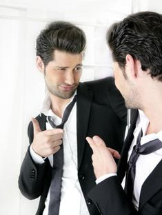 Handsome man humor funny gesture in a mirror. Handsome suit proud young man humo , Traits Of A Narcissist, Dealing With A Narcissist, Funny Facts, Funny Signs, Narcissistic People, Narcissistic Tendencies, Guys Read, Best Dating Sites, Facebook Humor