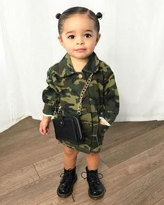 Cute Little Girls Outfits, Cute Little Baby, Baby Kind, Toddler Girl Outfits, Cute Kids Fashion, Little Girl Fashion, Toddler Fashion, Cute Mixed Babies, Outfits Niños