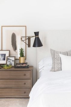 46 Modern Style For Industrial Bedroom Design Ideas. There has been an ongoing debate over the use of the term master bedroom, have you heard of it? Modern Farmhouse Bedroom, Country Farmhouse Decor, Modern Bedroom, Farmhouse Style, Master Bedroom, Stylish Bedroom, 60s Bedroom, Master Suite, Home Decor Bedroom