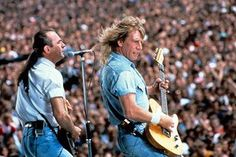 Status Quo founder Rick Parfitt has died aged 68 following complications after a shoulder injury