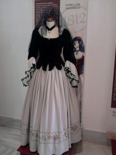 Moda española de 1812 Period Costumes, Spanish Style, Fashion Story, Historical Clothing, Fancy Dress, Evening Gowns, Malaga, How To Wear, 19th Century