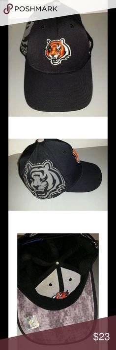 Mens NFL Cincinnati Bengals reebok hat sz  S M for sale is a mens f4342a800