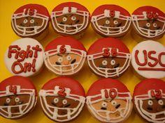 football player cupcakes   USC Football Cupcakes by JillianCupcake, via ...   Cake's ,Cupcake's ...