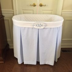 seersucker bassinet skirt - Bing images Best Picture For boy nurseries bear For Your Taste You are looking for something, and it is going to tell you exactly Grey Nursery Boy, Mint Nursery, Nursery Neutral, Southern Baby Nurseries, Baby Boy Nurseries, Baby Rooms, Bassinet Cover, Baby Bassinet, Bassinet Ideas
