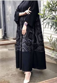 Pakistani Fashion Casual, Iranian Women Fashion, Abaya Fashion, Muslim Fashion, Black Women Fashion, Girl Fashion, Fashion Dresses, Hijab Dress Party, Hijab Wedding Dresses