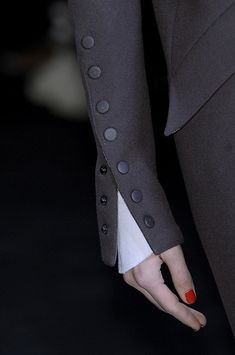 Karl Lagerfeld at Paris Fashion Week Fall 2010 Lagerfeld 2010 – Details Style (Visited 1 times, 1 visits today) Couture Details, Fashion Details, Look Fashion, Teen Fashion, Fashion Beauty, Womens Fashion, Fashion Trends, Fashion Design, Fall Fashion