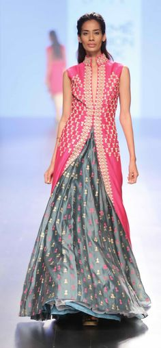 19 Ideas For Wedding Guest Outfit Indian Anarkali Suits Indian Wedding Guest Dress, Indian Wedding Outfits, Indian Outfits, Wedding Dresses, Lakme Fashion Week, India Fashion, Asian Fashion, Women's Fashion, Indian Skirt