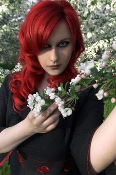 Sonja Kraushofer - Persephone - L'Âme Immortelle - Coma Divine Persephone, Goth Girls, Singer, Long Hair Styles, Beauty, Metal, Bands, Beleza, Long Hair Hairdos