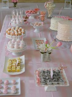 The First Communion sweet table Candy Table, Candy Buffet, Dessert Buffet, Dessert Bars, First Communion Cakes, Turkish Breakfast, Festa Party, Food Platters, Decoration Table