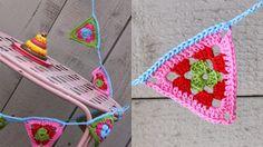 Ak at home : crochet * vlaggenslinger Crochet Home, Crochet Granny, Diy Crochet, Crochet Baby, Crochet Bunting Pattern, Crochet Garland, Crochet Patterns, Crochet Triangle, Yarn Needle