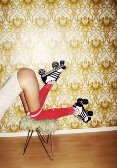 Creative Girl, Photography, Stanpolito, Female, and Legs image ideas & inspiration on Designspiration Roller Quad, Roller Disco, Roller Derby, Roller Skating, Mode Editorials, Estilo Pin Up, Skate Girl, Foto Instagram, Foto Pose