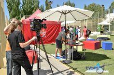 Medios de comunicación grabando el evento