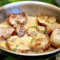 Filet mignon with mustard and cream - recette - Meat Recipes Meat Recipes, Cooking Recipes, Healthy Recipes, Cuisine Diverse, Food Inspiration, Love Food, Food Porn, Food And Drink, Yummy Food