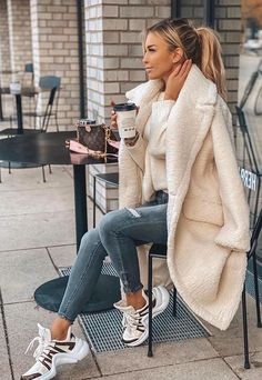 Casual Winter Outfits, Winter Fashion Outfits, Basic Outfits, Mode Outfits, Paris Winter Fashion, Coats For Women, Winter Coats Women, Ideias Fashion, Clothes