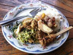 Nasi Campur Bali di Denpasar. #food #foodinbali #bali #kuliner #koolinerindo #foodpic #awesome #pic #website #startup #wisatakuliner #kulinerbali
