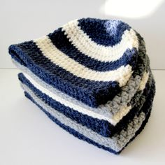Exceptional Stitches Make a Crochet Hat Ideas. Extraordinary Stitches Make a Crochet Hat Ideas. Chunky Crochet Hat, Chunky Knitting Patterns, Crochet Beanie Pattern, Crochet Baby Hats, Crochet Gifts, Free Crochet, Crocheted Hats, Crochet Patterns, Crochet Ideas