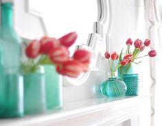 Centsational Girl » Blog Archive » Tulips + Table Runner Pillows