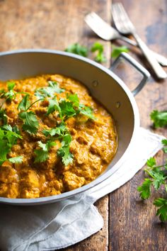 Chicken Shahi Korma - this is food from the gods. Chicken, paneer, cashews, and golden raisins all in a creamy, spicy sauce. 400 calories. |...