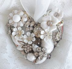 crafts with vintage jewelry | Vintage jewelry crafts | Crafts - Jewelry