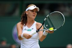 #Radwanska to play in her first Grand Slam final with an illness. What do you think her chances are against Serena on Saturday?