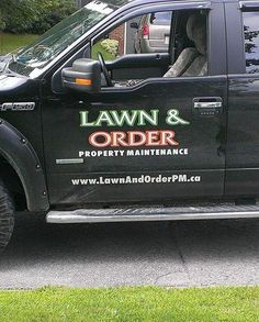 One of the best company names ever created. Lawn Care Business, Business Names, Business Ideas, Funny Names, Funny Signs, Best Company Names, Lawn Care Companies, I Love To Laugh, Funny Photos