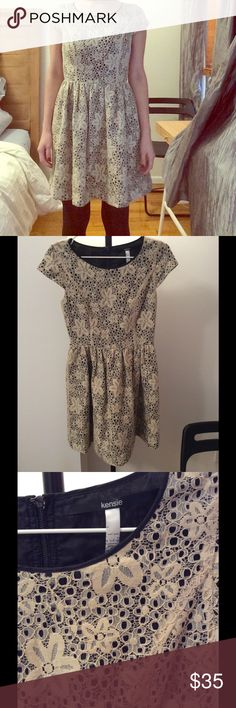 KENSIE FLOWERY LACE DRESS Beautiful never worn before dress. Perfect for wearing from day to night. Accentuates curves. Kensie Dresses