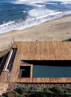 casa 11 mujeres. cachagua beach, beranda, 140 kilometers north of santiago, chile. mathias klutz. photos by cristobal palma.