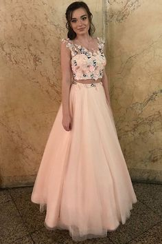 Fantastic Tulle Jewel Neckline Two-piece A-line Prom Dress With Lace Appliques & Handmade Flowers