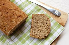 Szupergyors zabpelyhes kenyér Bread Recipes, Diet Recipes, Diabetic Recipes, Banana Bread, Oatmeal, Food And Drink, Cooking, Foods, Wings