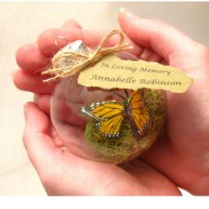 Butterfly Filled Glass Memorial Christmas Ornament - In loving memory Homemade Ornaments, Homemade Christmas Gifts, Diy Christmas Ornaments, How To Make Ornaments, Holiday Crafts, Christmas Tree, Christmas Ideas, Diy Christmas Presents, Homemade Xmas Gifts