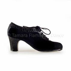 Zapato profesional de flamenco Begoña Cervera modelo Ingles coco https://www.tamaraflamenco.com/es/zapatos-de-flamenco-profesionales-4