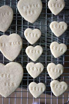 Stamped Conversation Heart Sugar Cookies for Valentine's Day! Valentines Baking, Happy Valentines Day, Valentine Cookies, Easter Cookies, Birthday Cookies, Valentine Heart, Christmas Cookies, Heart Cookies, Sugar Cookies