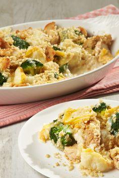 Hähnchen-Gemüse-Auflauf mit Mandel-Crumble, verfeinert mit Saint Albray L`intense