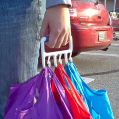 Carry Multiple bags without pinching your hands