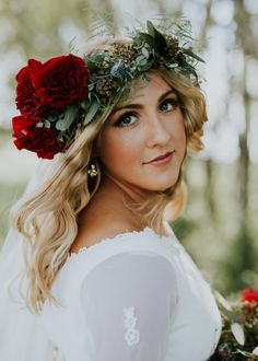 Fall floral crown inspiration | Image by Nicole Marie Photography